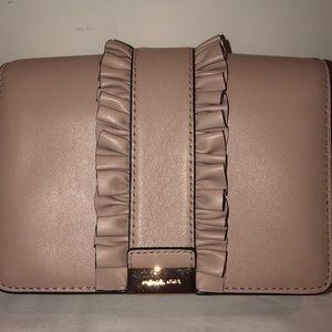 Michael Michael Kors Gusset clutch- Soft Pink